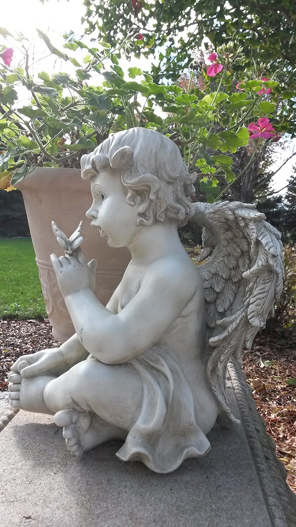 Attractive ... 03 011 Cherub W_butterfly Side View 2 ...